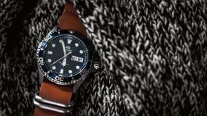 watch-801917_1280