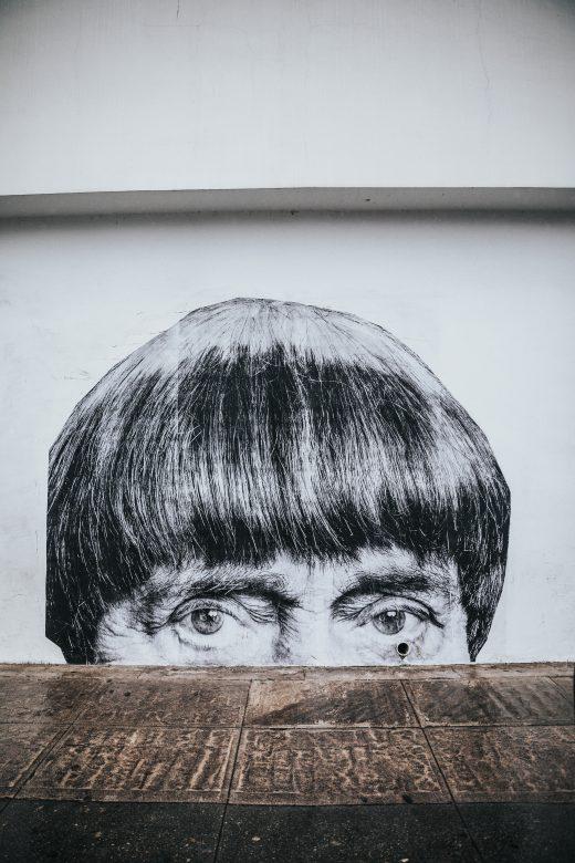 Portrait mur homme frange